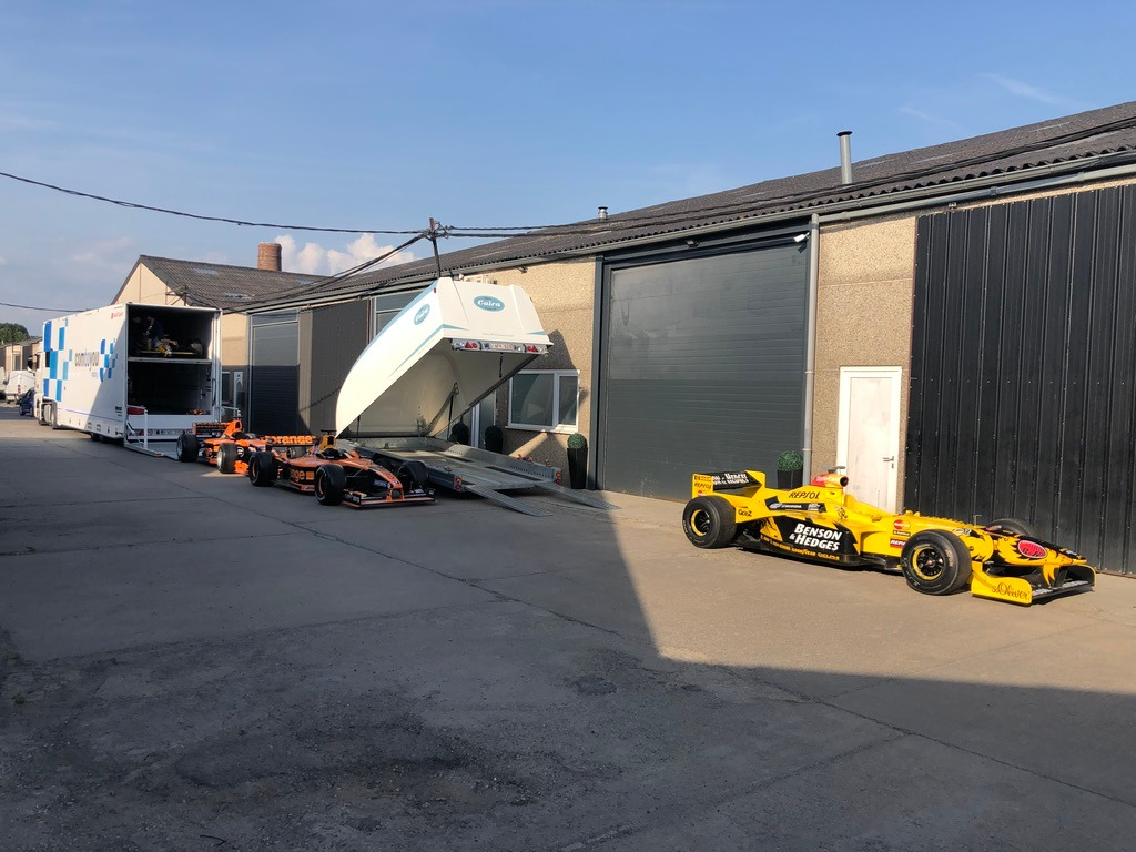 BRIAN JAMES RACE SHUTTLE RS3 - Paddock Distribution
